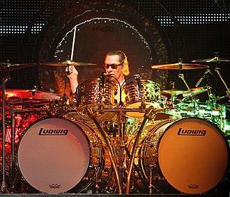 Ludwig Drums - Image: Alex Van Halen Van Halen Live