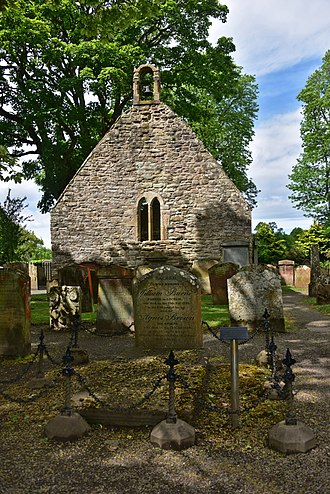 Alloway Auld Kirk - The kirk ruins and William Burnes's grave