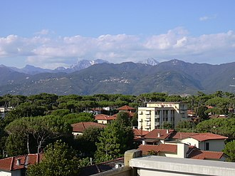 Apuan Alps - Apuan Alps seen from Pietrasanta.