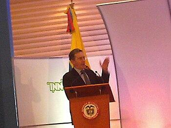 Alvaro Uribe in INNOVA Awards 2006