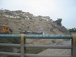 An area in Lima (districts of Pachacamac and Villa El Salvador) (4206371000).jpg