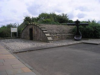 Culross - Anchor and storage building