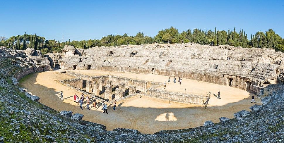 Anfiteatro de las ruinas romanas de It%C3%A1lica, Santiponce, Sevilla, Espa%C3%B1a, 2015-12-06, DD 26-29 PAN