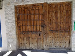 Aranda de Duero, España entrance to the Peña El Chilindrón, Aranda de Duero, España Underground Wine Cave.jpg