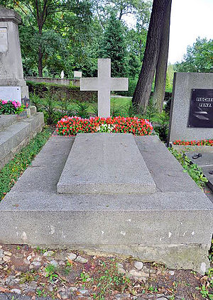 Archduchess Elisabeth Marie of Austria - Unmarked grave of Elisabeth Marie and Leopold Petznek: Grave 29, Group 22.