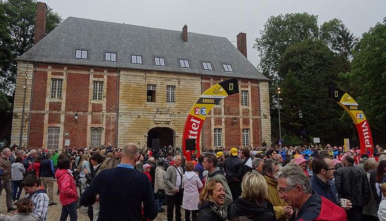 Arras - Tour de France, étape 6, 10 juillet 2014, départ (03).JPG