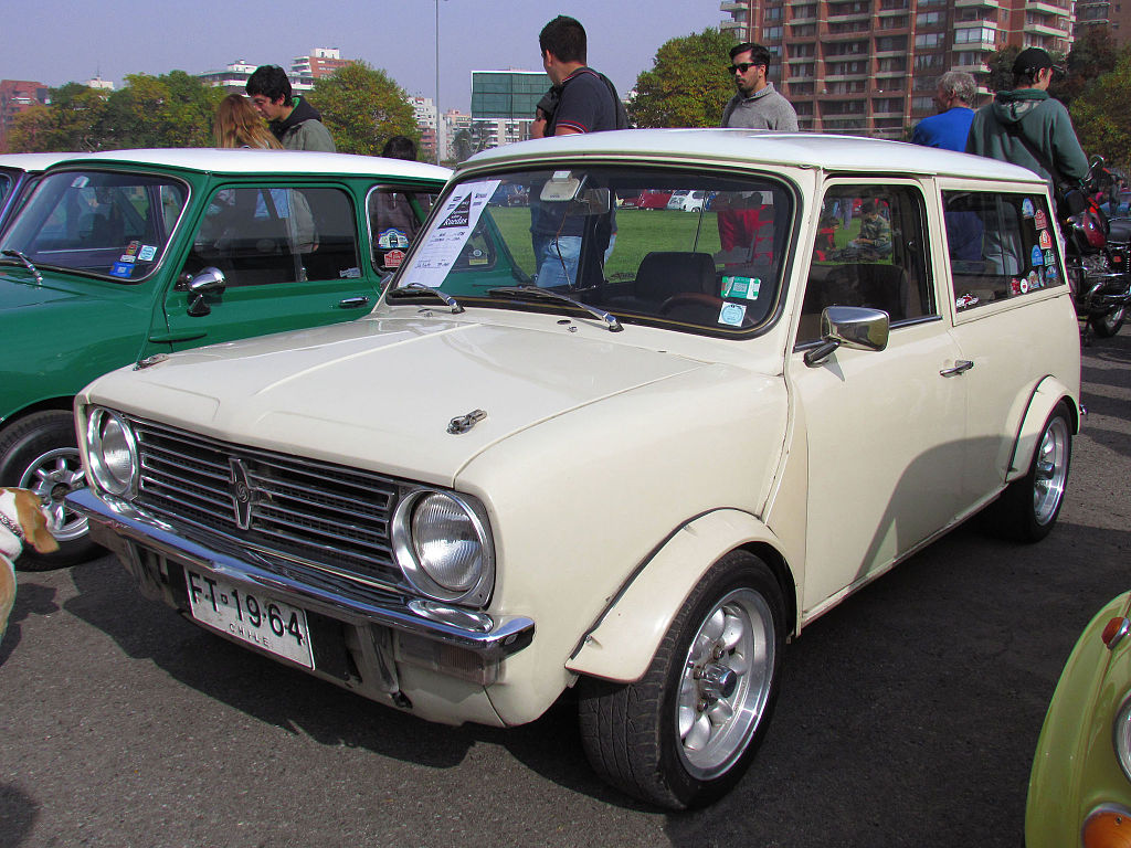 file austin mini clubman 1300 1974 8884800422 jpg wikimedia commons. Black Bedroom Furniture Sets. Home Design Ideas