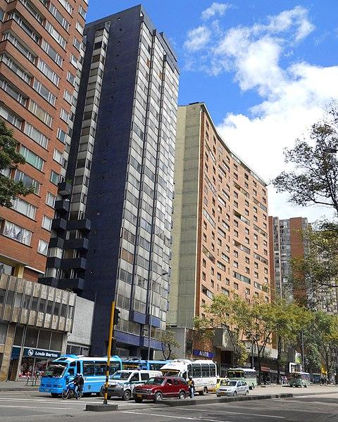 File:Av 19 Bogotá.JPG
