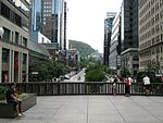 Avenue McGill College vue de la Place Ville-Marie.jpg