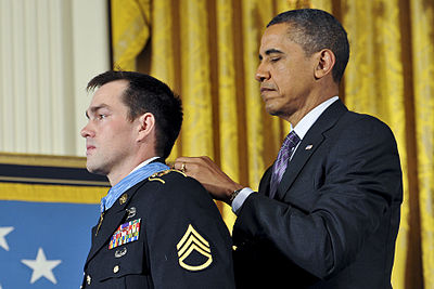 Barack Obama awards Medal of Honor to Clinton Romesha.jpg