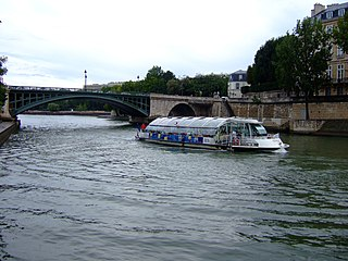 boat service in the Paris region