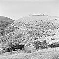 Berghelling in de buurt van Safad (Safed) met op de top vermoedelijk een Tegart , Bestanddeelnr 255-0172.jpg