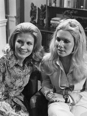 Alice Matthews Frame - Alice with her sister Pat, 1973.