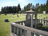 Black Diamond Cemetery 03.jpg