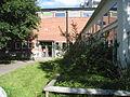Blackebergsskolan, gymnastiksalar, ingång D1, 2013.jpg
