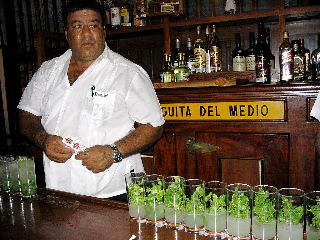 http://upload.wikimedia.org/wikipedia/commons/thumb/b/b3/Bodeguita_del_Medio%2C_Havana%2C_Cuba_6.jpg/1024px-Bodeguita_del_Medio%2C_Havana%2C_Cuba_6.jpg