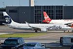 Boeing 737-990ER(w), N435AS, Alaska Airlines (18657130439).jpg