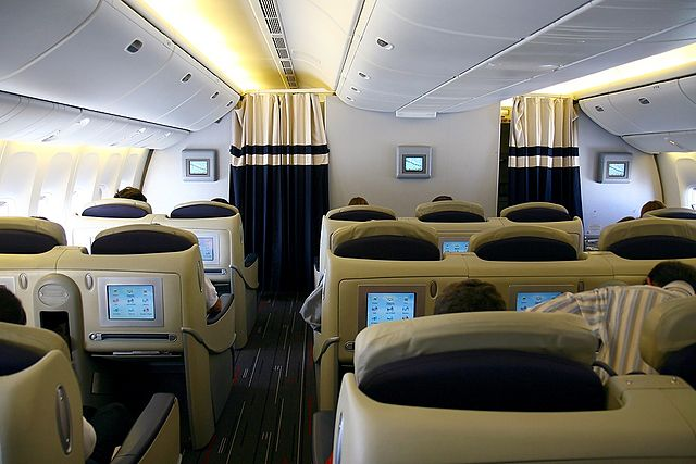 File boeing 777 228 er air france for Boeing 777 air france interieur