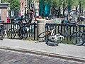 Brug 298, Bantammerbrug met mishandelde fietsen.jpg