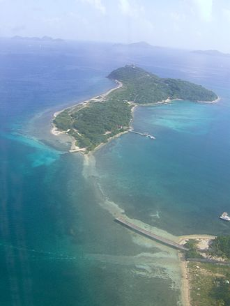 Buck Island (British Virgin Islands) - Aerial view of Buck Island, with, from left to right, Ginger Island, Cooper Island and Salt Island on the horizon