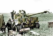 Bundesarchiv Bild 101I-022-2948-23, Russland, Panzer VI (Tiger I), Munition Recolored.jpg