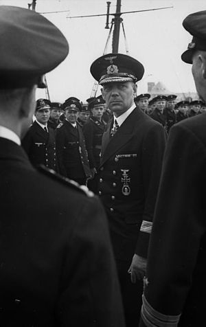Friedrich Ruge - Friedrich Ruge visiting a Minensuchflottille