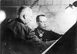 Gotthard Heinrici - Field Marshal Günther von Kluge (left) and Heinrici, mid 1943