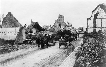 Damage and destruction of civilian buildings in Belgium, 1914 Bundesarchiv Bild 146-2008-0084, Belgien, Flandern, Ruinen.jpg