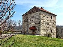 Côtebrune, l'ancien donjon restauré.jpg