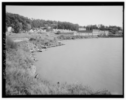CONTEXTUAL VIEW, SHOWING BAY HOUSING, AND BUILDINGS 1 AND 6 FACING SOUTHEAST - Winehaven, Point Molate Naval Fuel Depot, Richmond, Contra Costa County, CA HABS CAL,7-RICH,2-5.tif