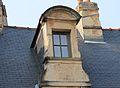 Caen rue St Martin lucarne cadran solaire.JPG
