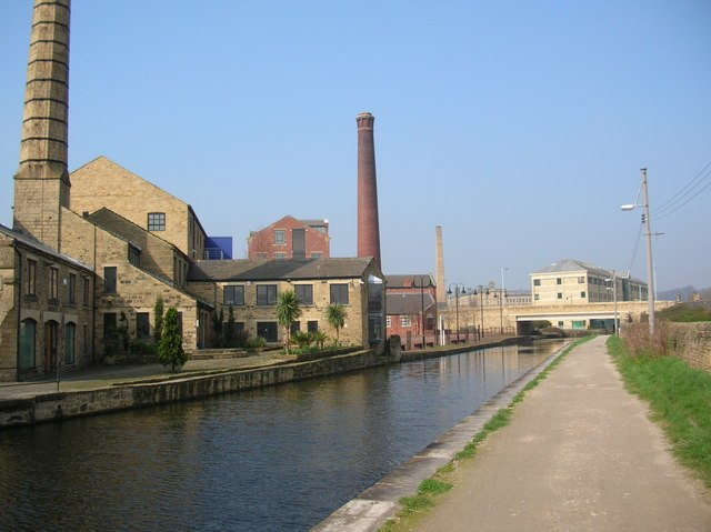 Canal side, Shipley - geograph.org.uk - 347005