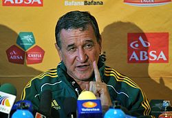 Carlos Alberto Parreira at University of the Witwatersrand 2010-06-04 3.jpg
