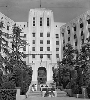 Cedars-Sinai Medical Center - Entrance to old Cedars of Lebanon Hospital, 1956
