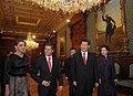 Cena de Estado que en honor del Excmo. Sr. Xi Jinping, Presidente de la República Popular China, y de su esposa, Sra. Peng Liyuan (8960389678).jpg