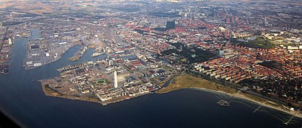 Early-September 2012 aerial view of central Malmo Central Malmo.JPG