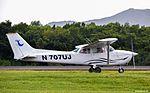 Cessna 172 - 261215 - 07UJ (24988842690).jpg