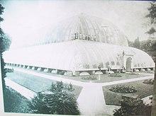 """Chatsworth Garden, """"Great Conservatory"""", Heimat seiner Palmenzucht. (Quelle: Wikimedia)"""