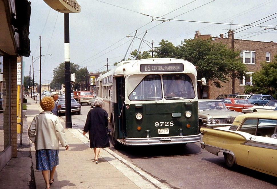 Chicago Marmon 9728 on route 85-Central Ave, 1968