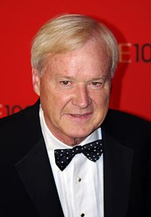 The 71-year old son of father Herb Matthews and mother Mary Teresa Matthews, 180 cm tall Chris Matthews in 2017 photo