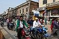 Circulation dans les rues de Varanasi (4).jpg