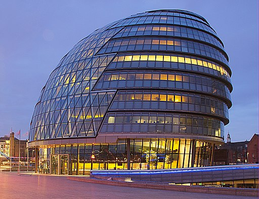 City hall London at dawn (cropped)