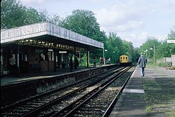 Coombe Road railway station (1983) 02.JPG