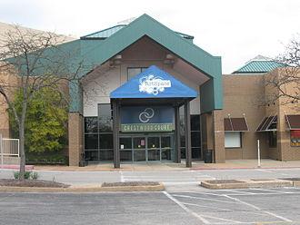 Crestwood, Missouri - Crestwood Court, a shopping mall on Watson Road