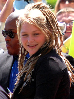 English: Crystal Bowersox visiting her hometow...