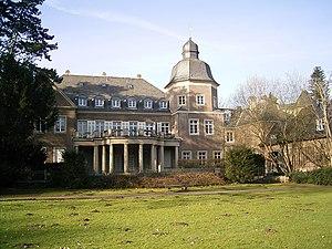 Düsseldorf-Garath - Image: Düsseldorf Schloss Garath 02 ies