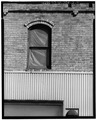DETAIL VIEW OF WINDOW - M. M. Secor Trunk Company, Central Office, 401 Lake Avenue, Racine, Racine County, WI HABS WIS,51-RACI,6-A-4.tif