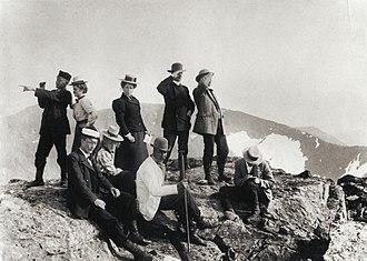 Sylan - Image: De första turisterna på toppen av Storsylen. Fjällandskap Nordiska Museet NMA.0000024