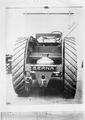 Der Berna Traktor von hinten - CH-BAR - 3241605.tif