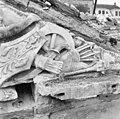 Detail van timpaan boven de voorgevel - 's-Gravenhage - 20086334 - RCE.jpg